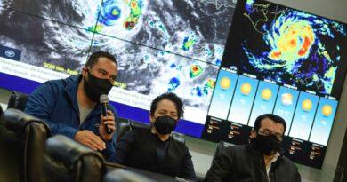 El país registra primeras inundaciones en Chalatenango, Cuscatlán y el Bajo Lempa por efectos de Iota, Gobierno hace evacuaciones preventivas